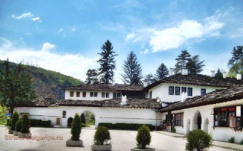 Троянский монастырь Успения Богородицы — центр возрождения