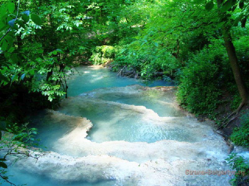 Карстовые террасы Крушунских водопадов