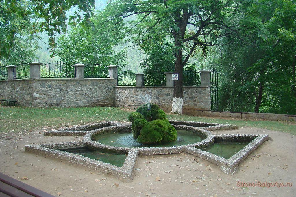 Фонтан Бачковский монастырь