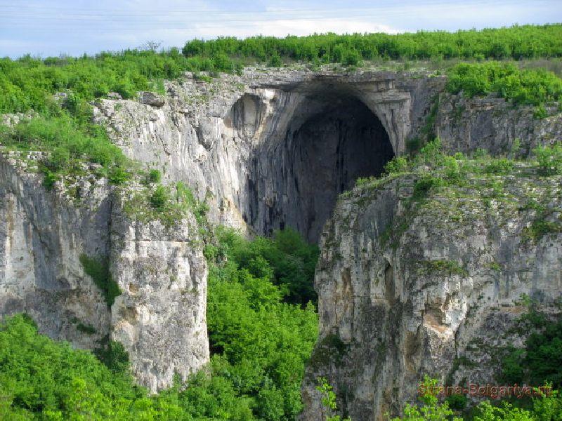 Причудливые формы скал Искырского ущелья