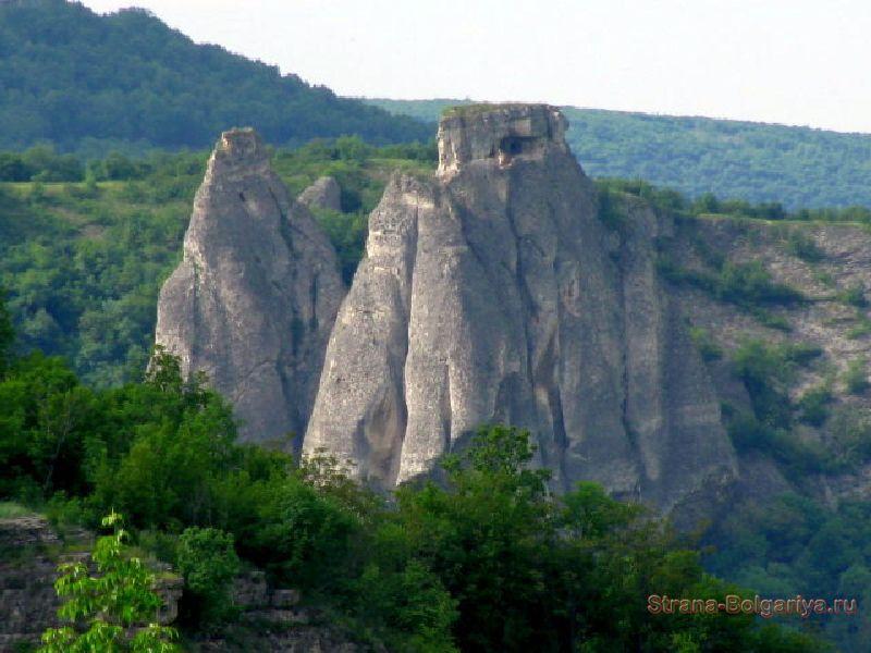 Скалы Искырского ущелья