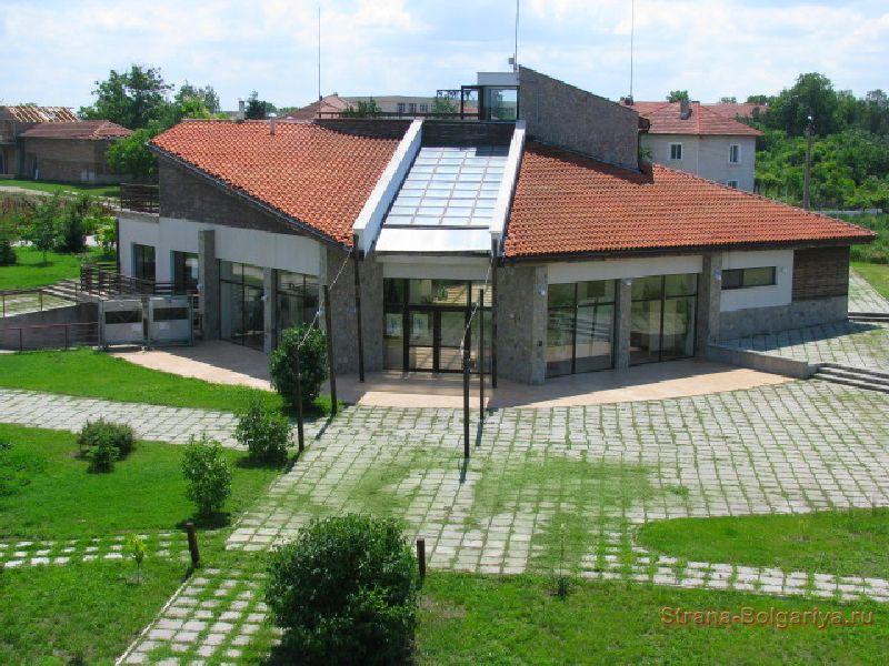 Центр для посетителей Персина в Белене