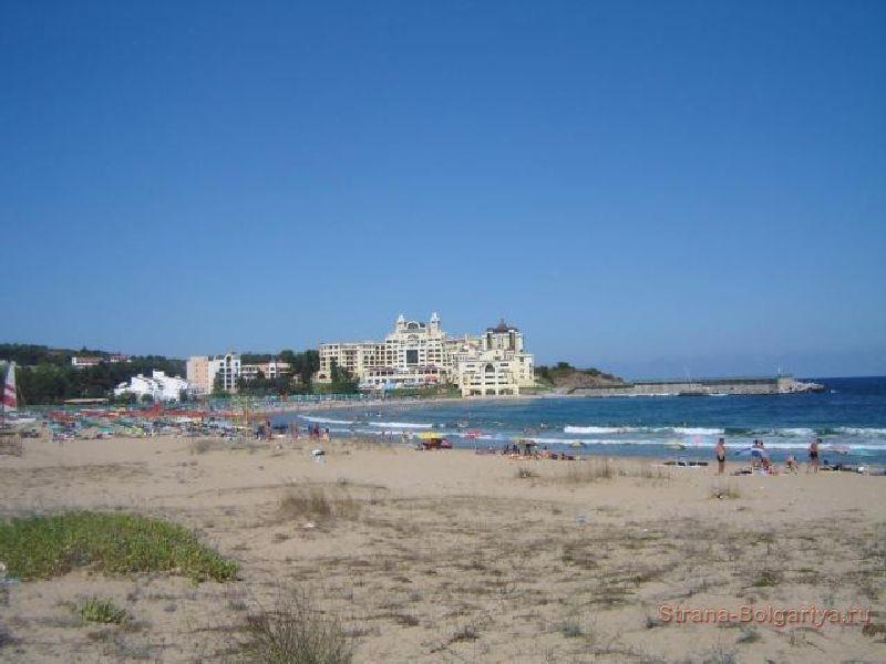 Пляж и отели курорта Дюны