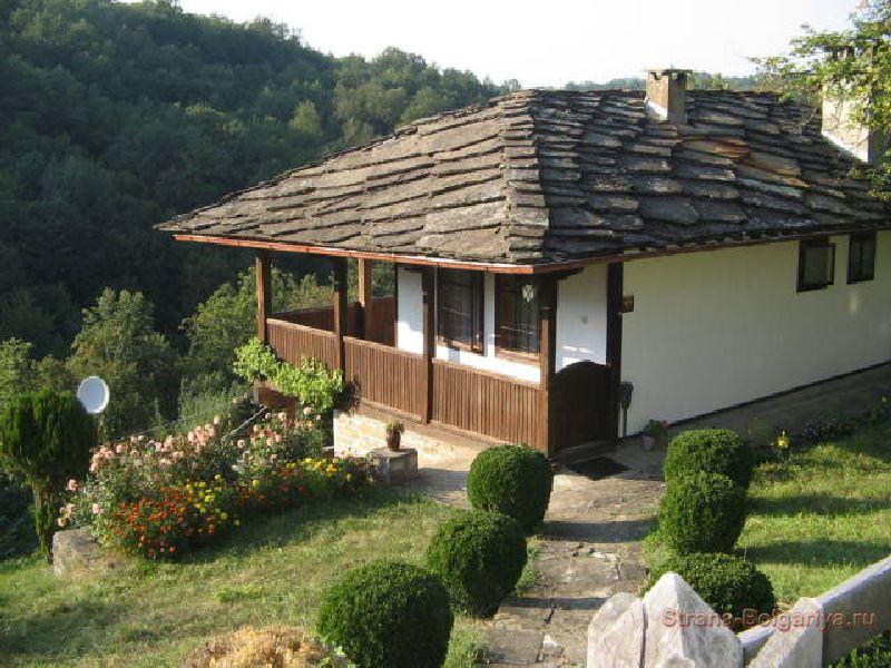 Старый дом в селе Боженци
