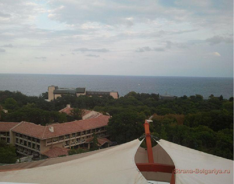 Фото с крыши отеля Pliska на курорте Золотые пески