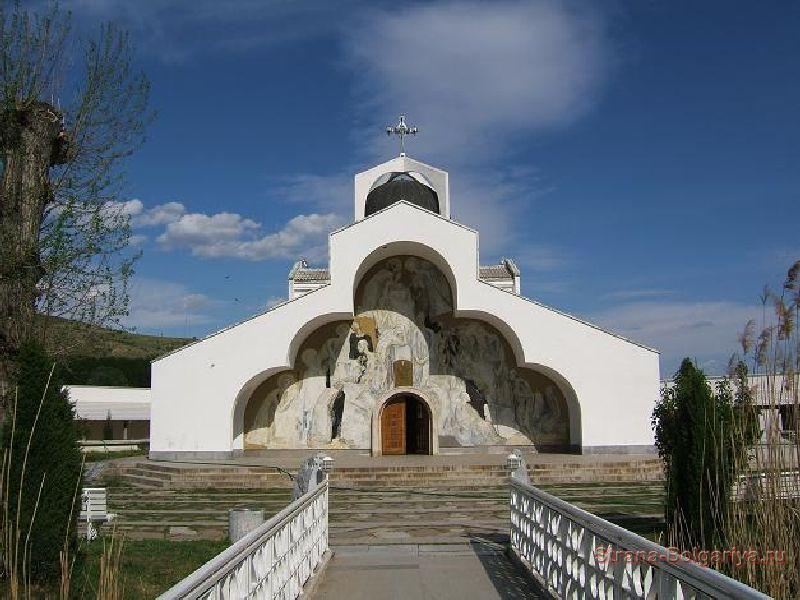 Храм Святой Петки