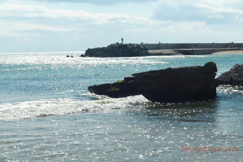 Море на курорте Золотые пески