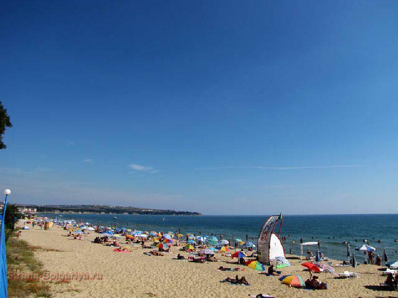 Болгарский курорт Обзор имеет  одну из самых больших и длинных линий берега