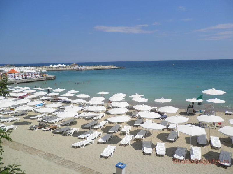 Пляж на курорте Святые Константин и Елена