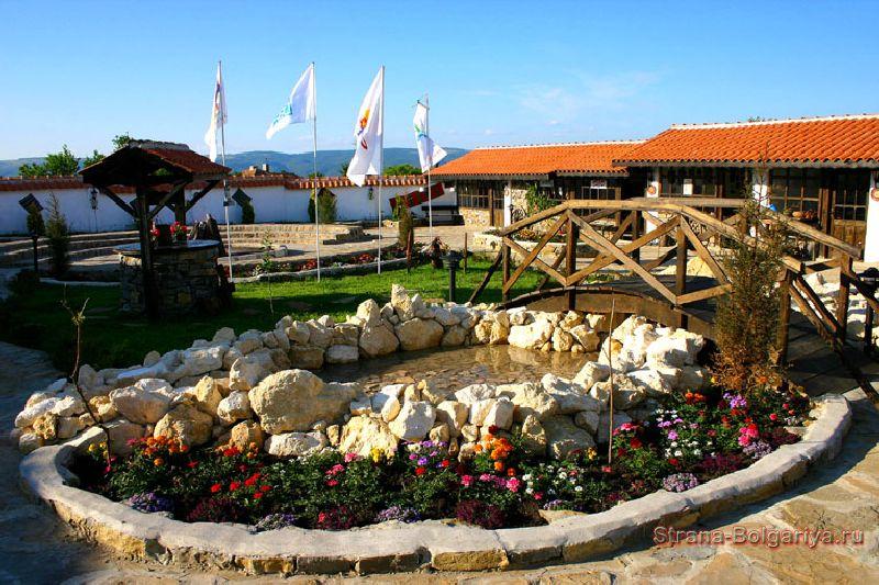 Уютные дворики деревни Бата