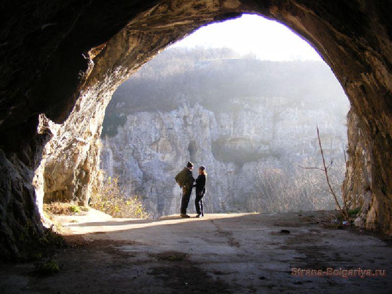 Вид из пещеры Орлова Чука