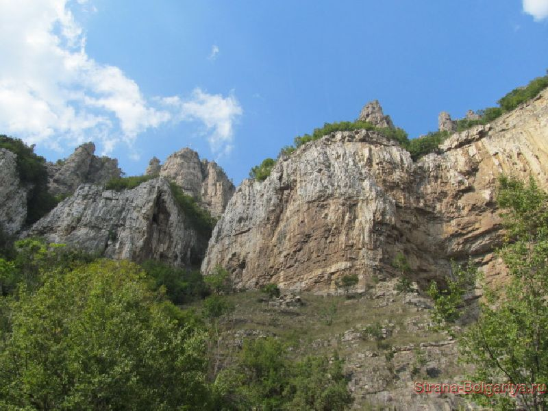 Лакатнишки скалы