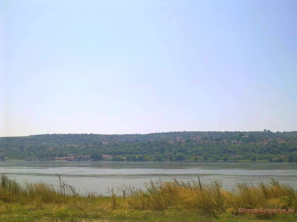 Панорамный вид на реку Дунай